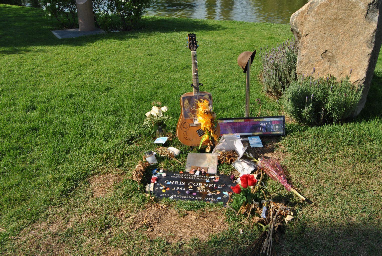 Tumba de Chris Cornell Hollywood Forever