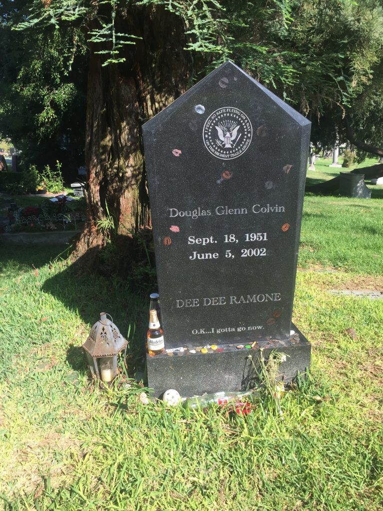 La tumba de Dee Dee Ramone Hollywood Forever