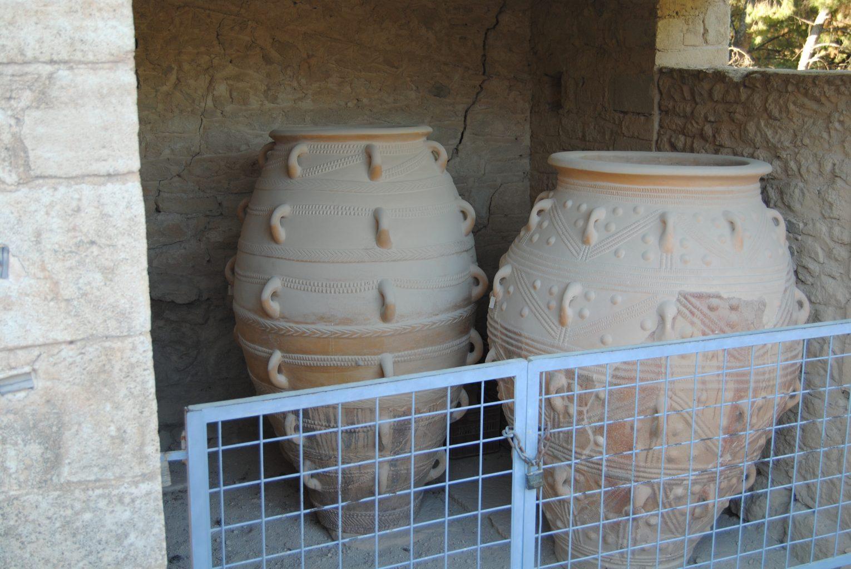 Réplicas de vasijas de almacenamiento. El palacio de Knossos