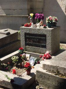 Tumba de Jim Morrison. Cementerio père-lachaise