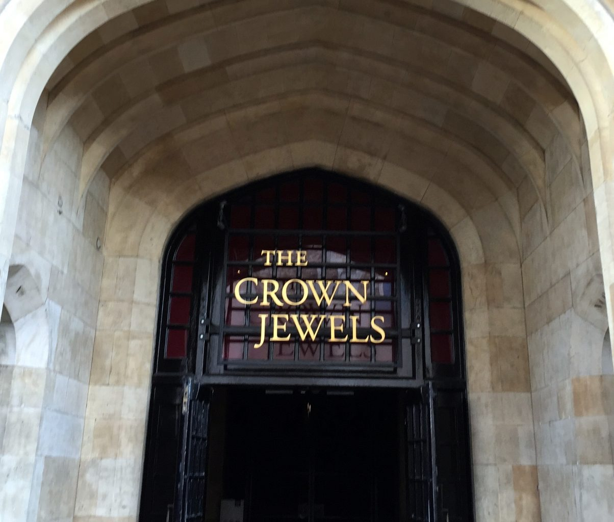 Entrada a las Joyas de la Corona. Torre de Londres