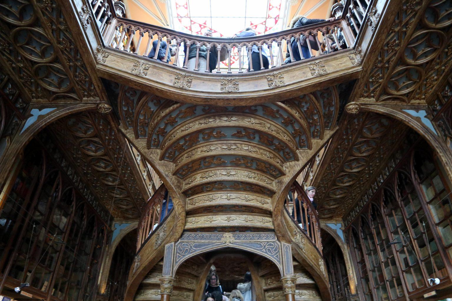 Interior de la librería Lello. Oporto