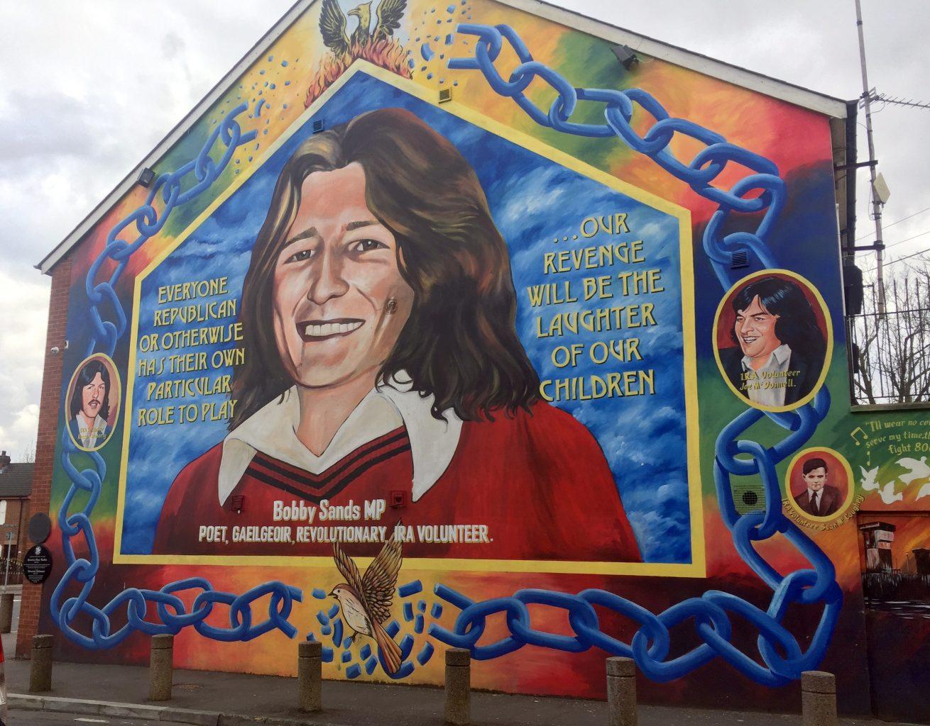 Mural Bobby Sands. Qué ver en Belfast