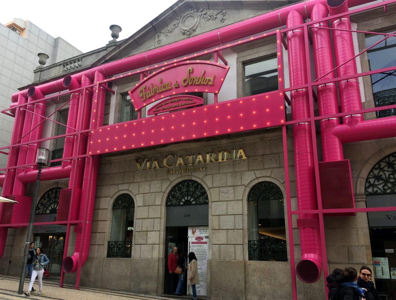 Centro comercial en Rua Santa Catarina. Oporto