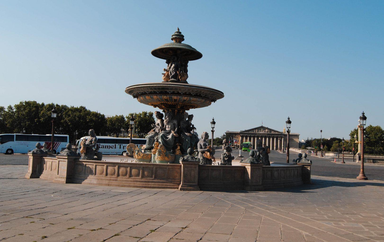 Fuentes plaza de la Concordia. qué ver en París