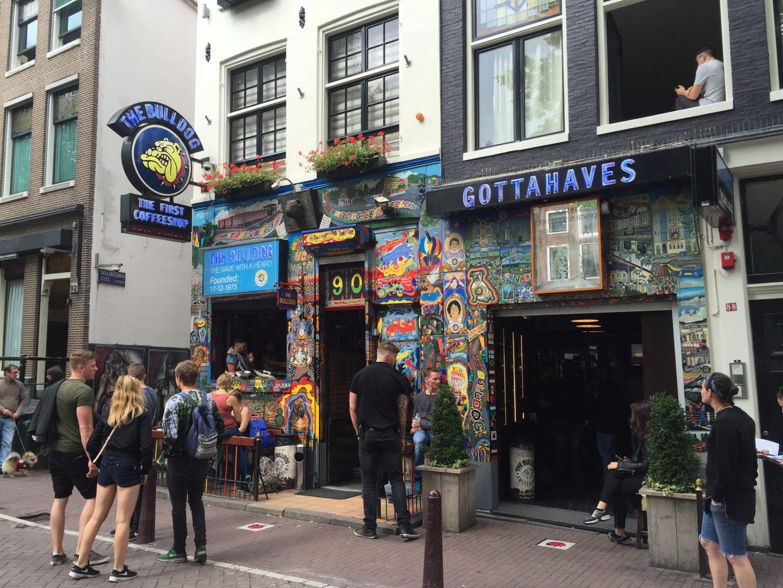 The Bulldog, el primer coffee shop. Qué ver y hacer en Ámsterdam