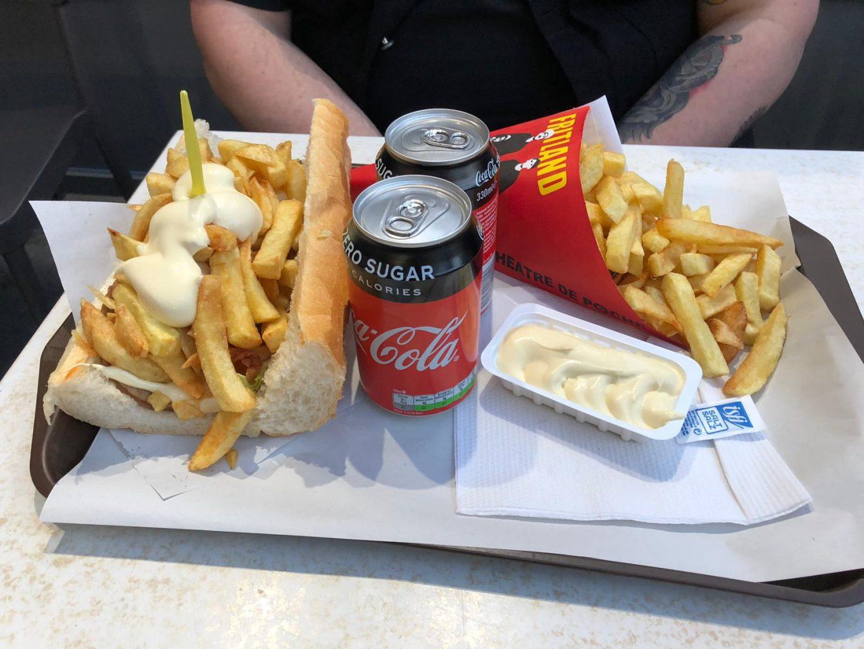 Patatas fritas y metraillete en Fritland. Qué ver y hacer en Bruselas