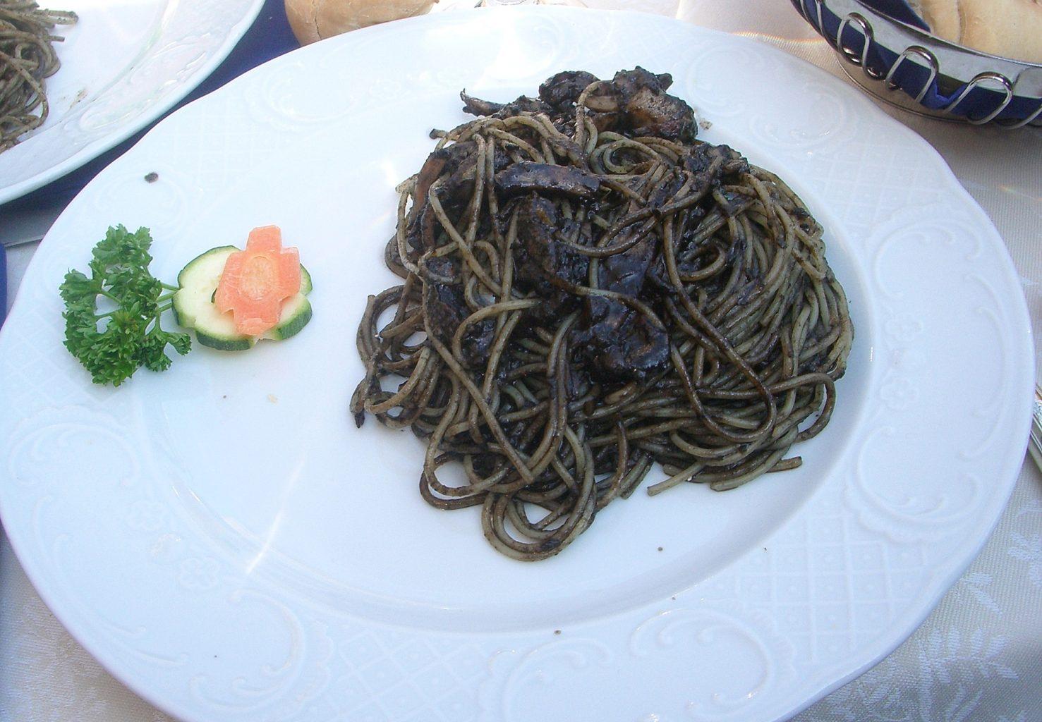 Spaguetti al nero di seppia. Qué ver en Venecia