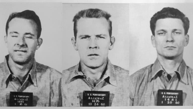 Frank Morris y los hermanos John y Clarence Anglin. Visitar la cárcel de Alcatraz