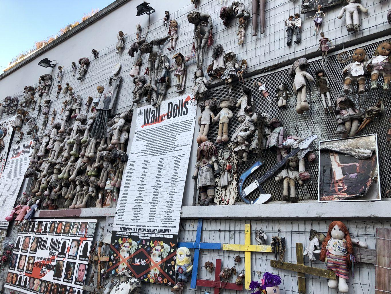 El Muro de las Muñecas. qué ver y hacer en Milán.