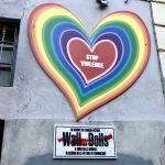 """""""Stop Violence"""" El muro de las muñecas de Milán"""