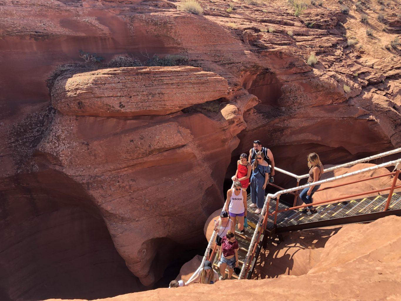Acceso por escaleras al Lower Antelope Canyon