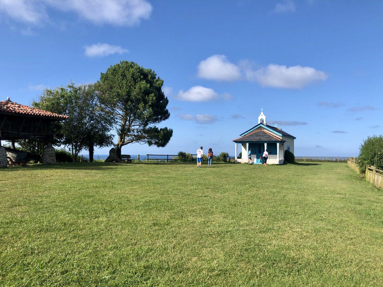 Campo de la Garita, visitar la ermita de la Regalina