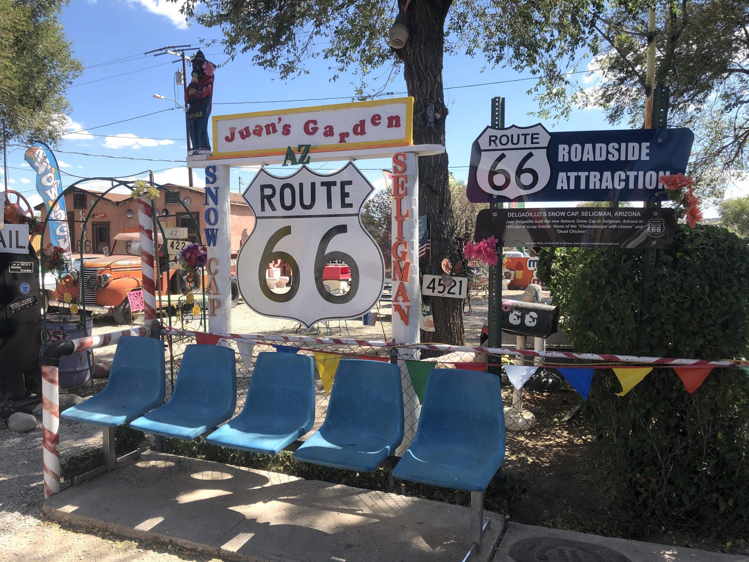 Juan's Garden en Selligman. RUTA 66, Etapa 8: Page - Ruta 66- Desvío a Las Vegas